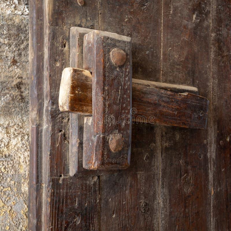 Close-up van een houten oude klink stock foto