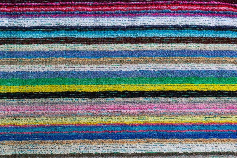 Close-up van een kleurrijke gestreepte strandhanddoek royalty-vrije stock foto