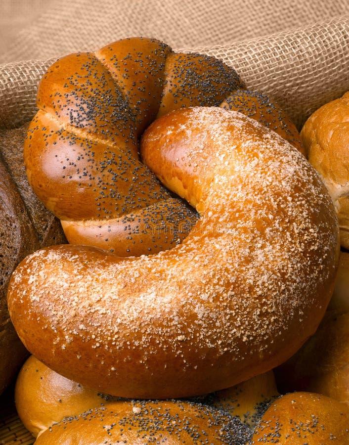 Close-up van een mooi stilleven van brood, banketbakkerswerkenwi stock afbeeldingen