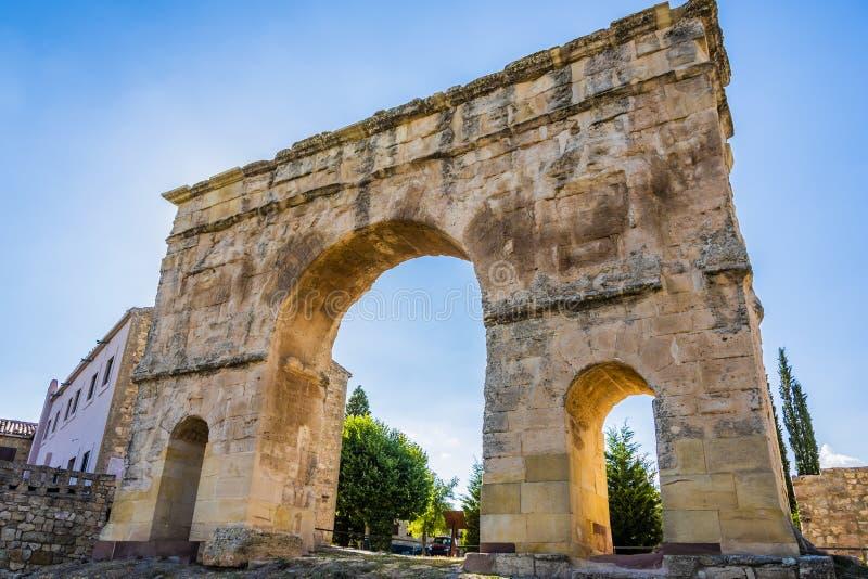 Close-up van een Roman boog vanuit de tijd van de Keizer Trajan, enige die van drie spanwijdten op Spaans grondgebied blijven en royalty-vrije stock foto