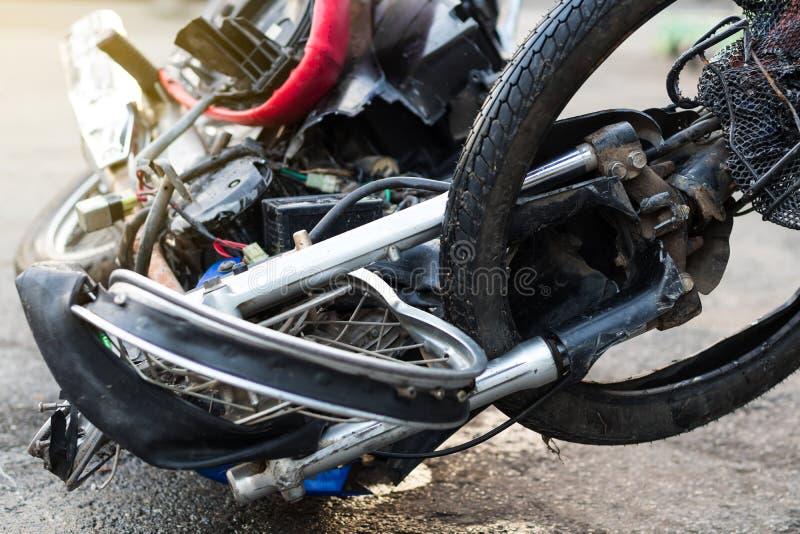 Close-up van een vervormd motorfietswiel stock fotografie