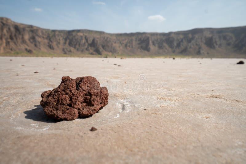 Close-up van een vulkanische rots in de krater van al-Wahbah in Makkah-Provincie, Saudi-Arabië stock afbeelding