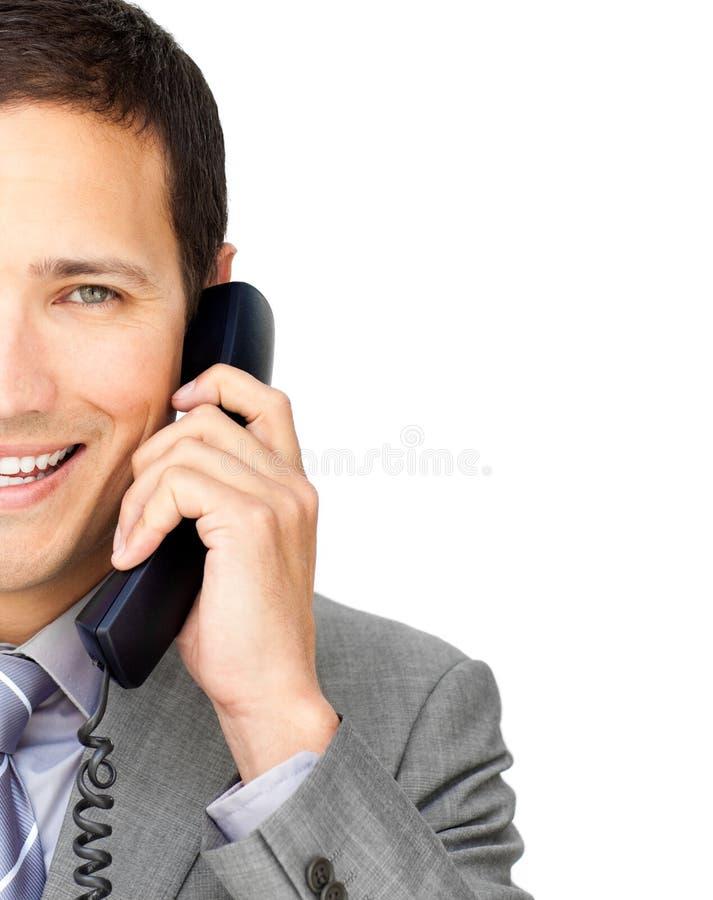 Close-up van een zakenman die op telefoon spreekt royalty-vrije stock foto