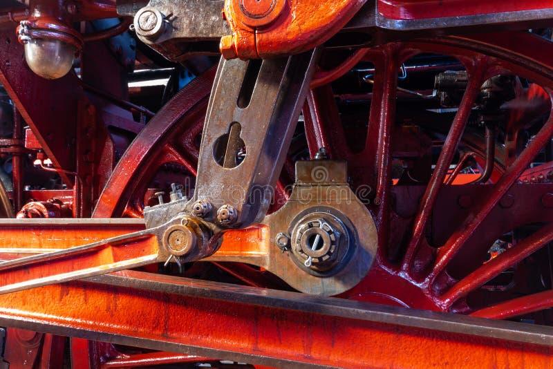 Close-up van een zonderlinge krukas en wielen van een stoomboot stock afbeelding