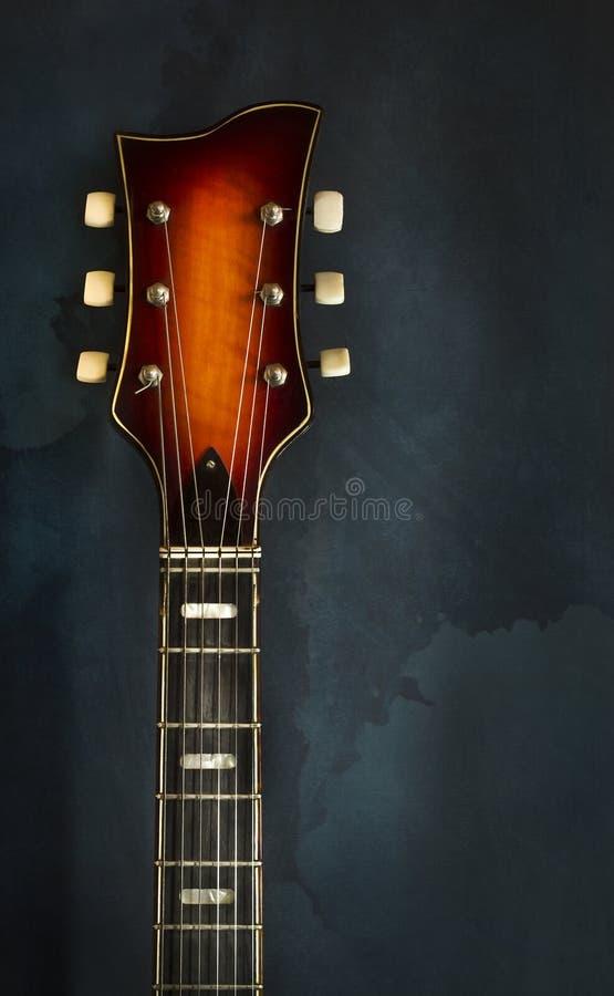 Close-up van gitaar van de asblok de oude elektrische jazz stock fotografie
