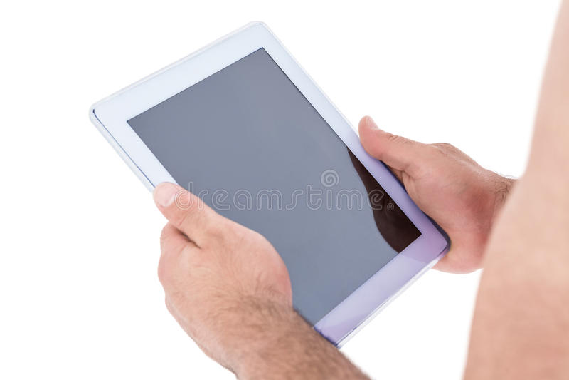 Close-up van handholding die digitale tablet gebruiken royalty-vrije stock afbeeldingen