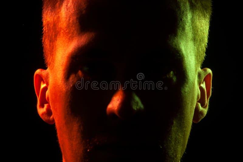 Close-up van het deel van gezicht van een ongeschoren gezicht van een mens met s royalty-vrije stock fotografie