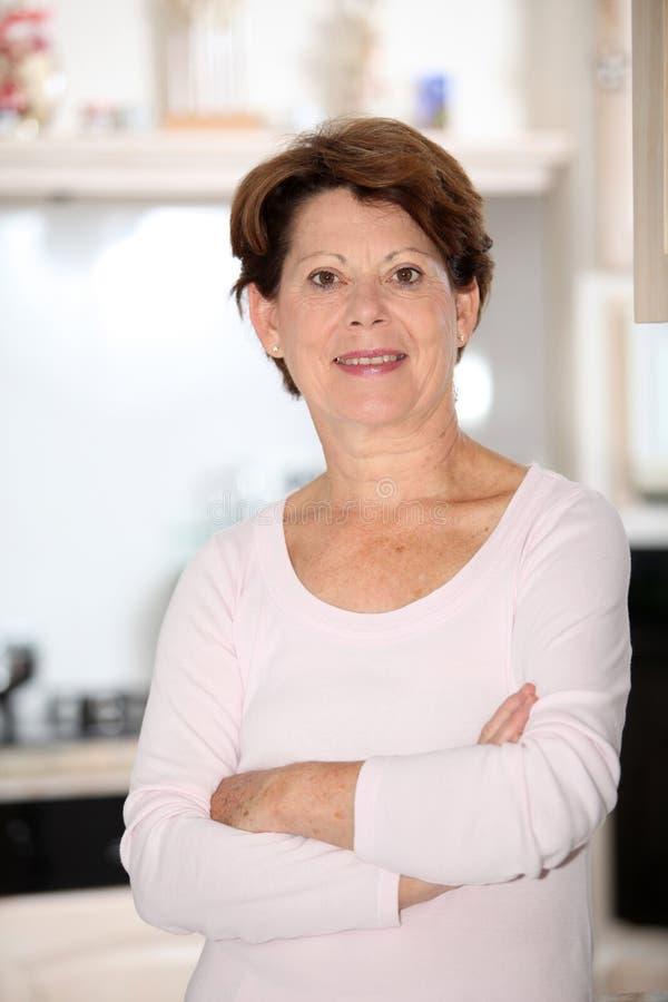 Close-up van hogere vrouw stock afbeelding