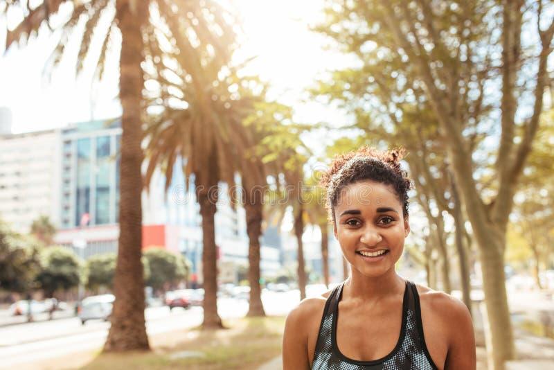 Close-up van jonge vrouwelijke atleet royalty-vrije stock foto