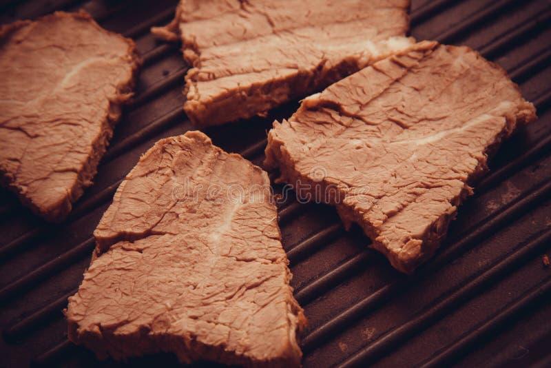 Close-up van kalfsvleesvlees op plaat royalty-vrije stock fotografie