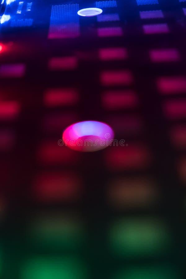 Download Close-up Van Laptop Toetsenbordverlichting, Backlit Toetsenbord Stock Foto - Afbeelding bestaande uit deel, blauw: 107704526