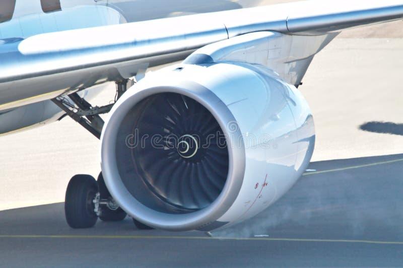 Close-up van links en het roken straalmotor royalty-vrije stock foto's