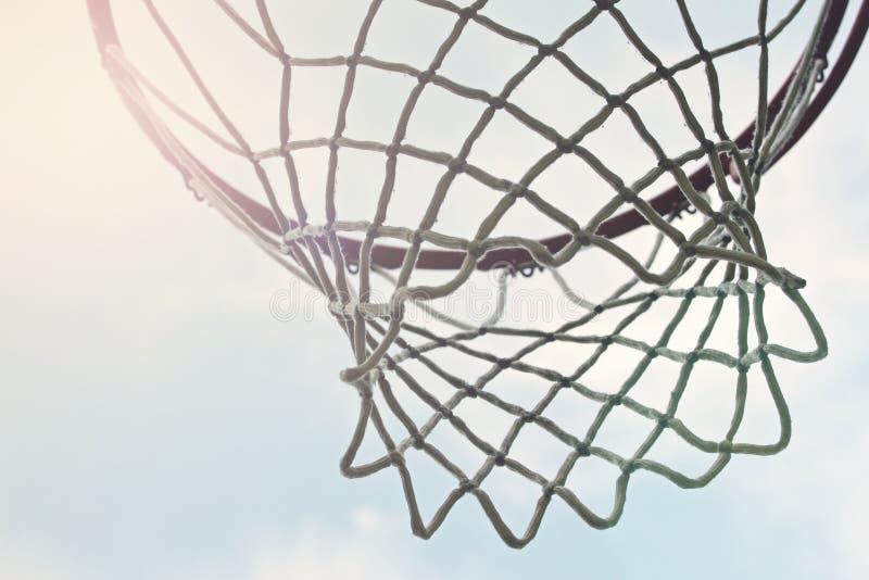 Close-up van openlucht netto basketbalhoepel royalty-vrije stock fotografie