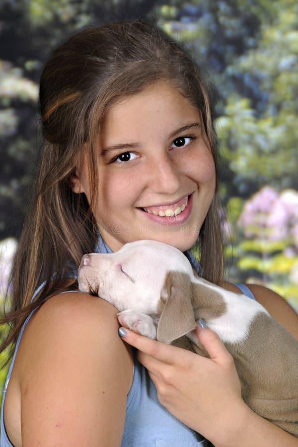 Close-up van Puppy en me stock afbeeldingen