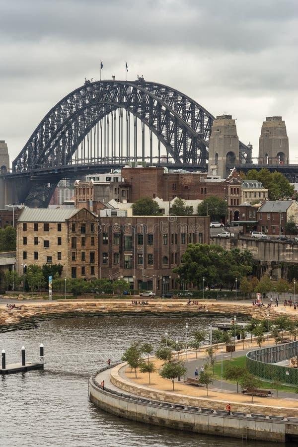 Close-up van Sydney Harbour-brug achter Munns-sleephelling, Australië stock afbeeldingen