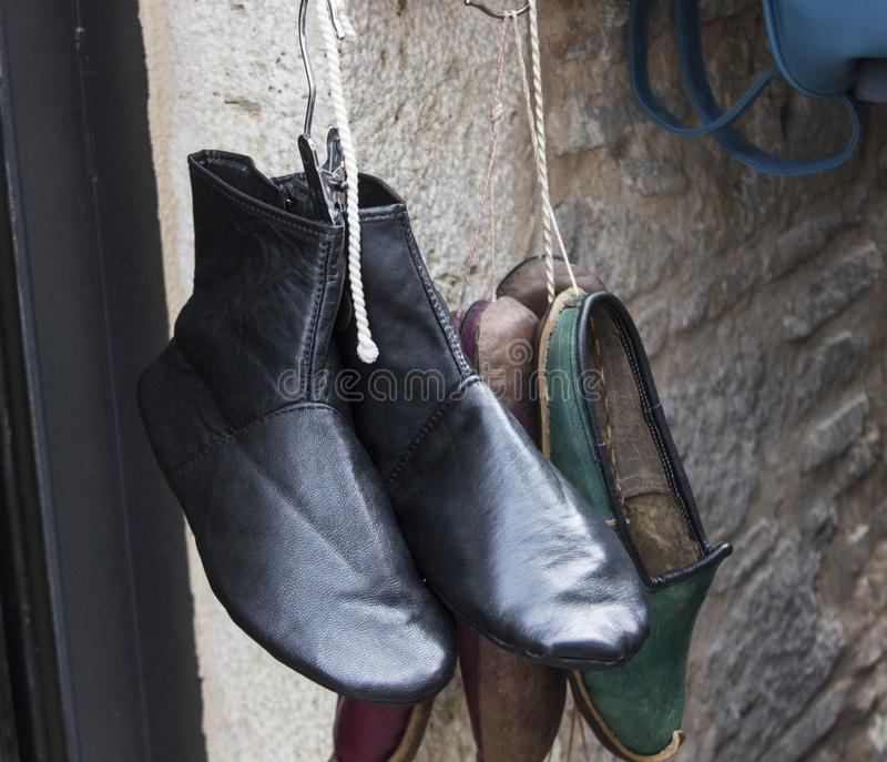 Close-up van traditionele oude Turkse schoenen wordt geschoten die stock afbeeldingen