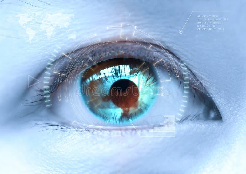 Close-up van vrouwen` s blauw oog futuristisch, contactlens, oog c royalty-vrije stock afbeelding