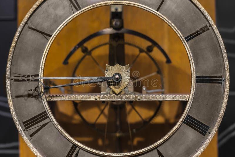 Close up velho do pulso de disparo feito fora do aço imagens de stock royalty free