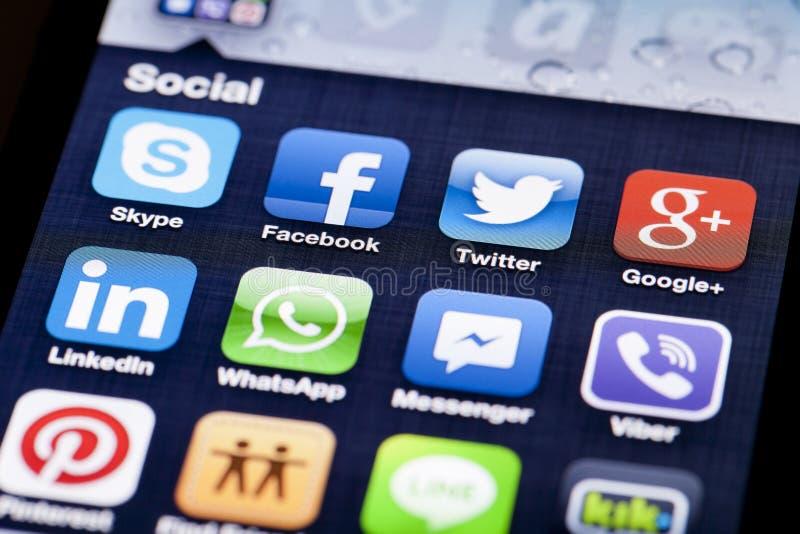 Close-upbeeld van het iPhonescherm met pictogrammen van royalty-vrije stock afbeelding
