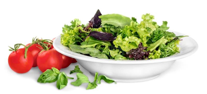 Close-upfoto van verse salade met binnen groenten royalty-vrije stock fotografie