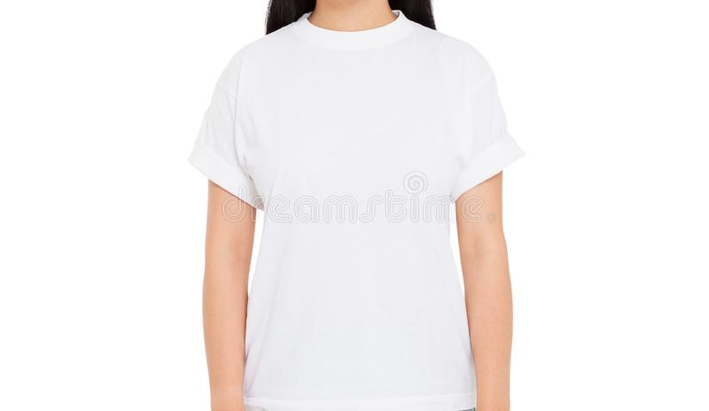 close-uplichaam van meisje in wit ge?soleerd t-shirtmodel stock foto's