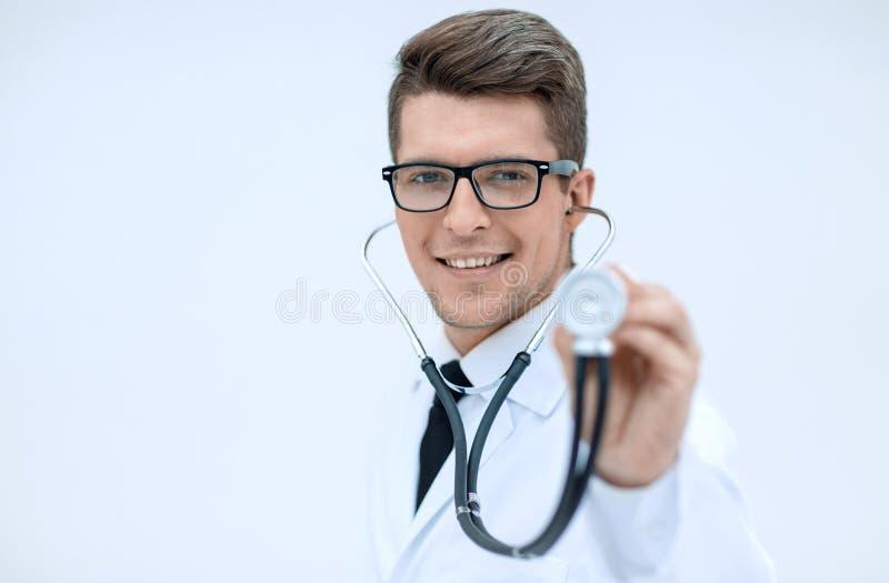 close upp en säker terapeut med en stetoskop royaltyfri foto