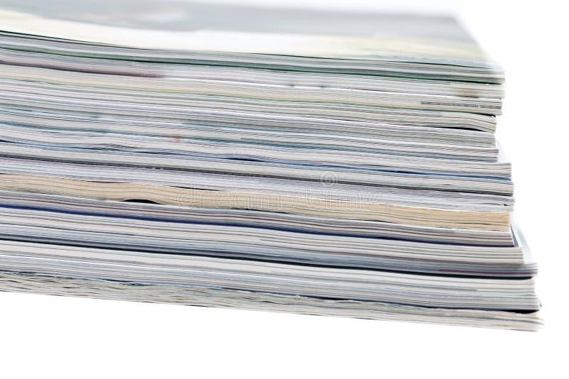 Close-ups van stapel kleurrijke tijdschriften stock foto