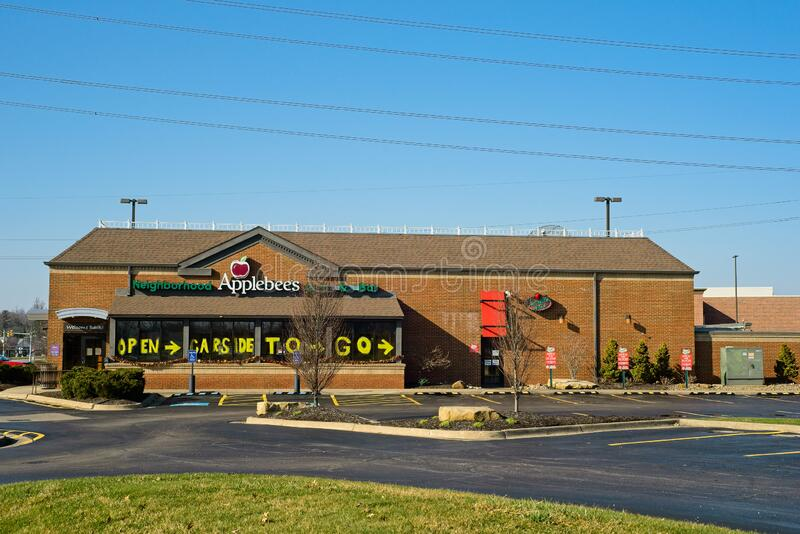 Applebees Restaurant Bar And Grill Building Sign Editorial ...
