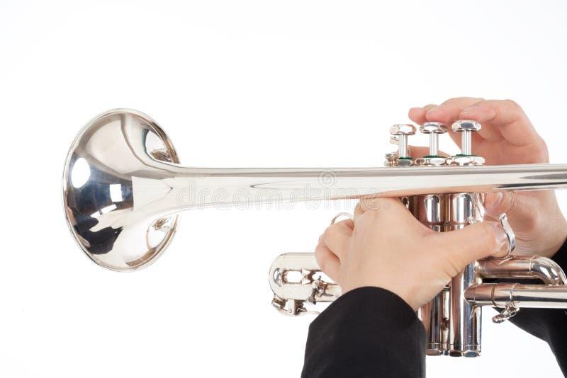Closeup av att spela för trumpetspelare royaltyfri bild