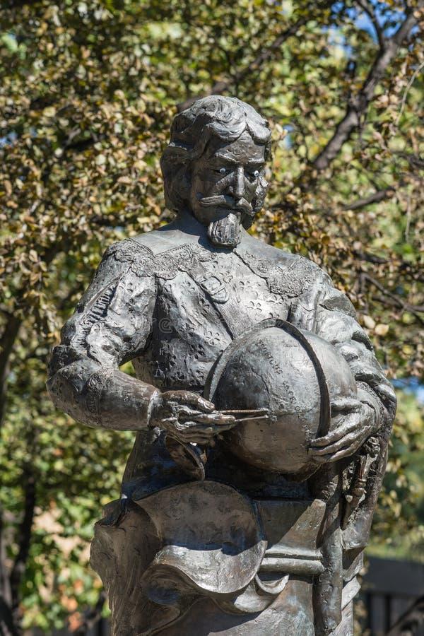Closeup av bysten på den Tasman monumentet i i stadens centrum Hobart, Australien fotografering för bildbyråer