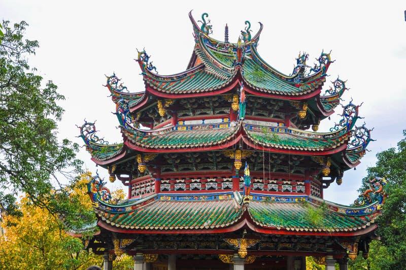 Closeup av den kinesiska tempelpagoden royaltyfri foto