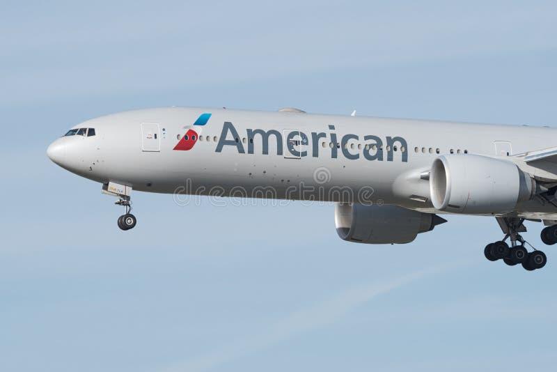 Closeup av en American Airlines Boeing 777 royaltyfri fotografi