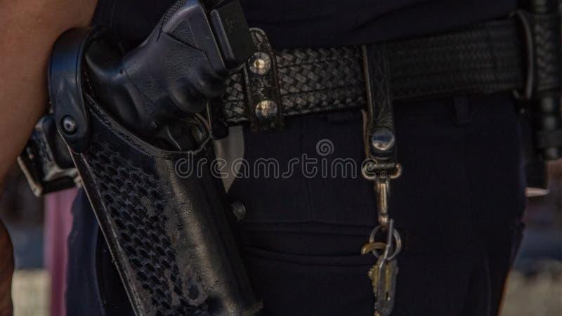 Closeup av ett vapen i en kabaret arkivfoton