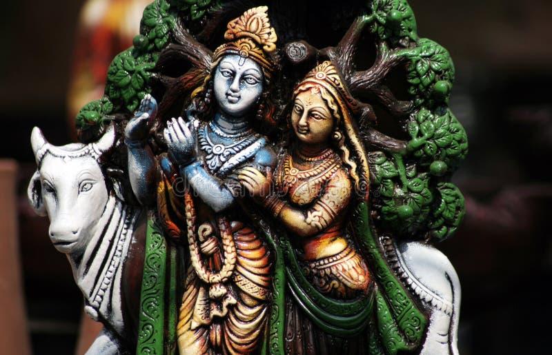 Closeup av hinduiska gudar Krishna och Radha royaltyfri foto