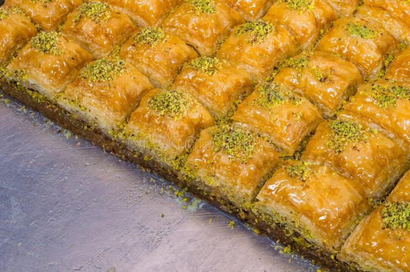 Closeup av läcker traditionell turkisk efterrättBaklava med pistaschen royaltyfri foto