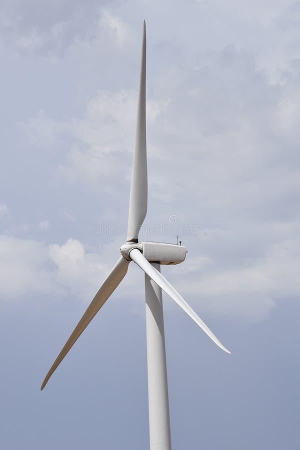 Closeup av makt som frambringar vindturbinen royaltyfri bild