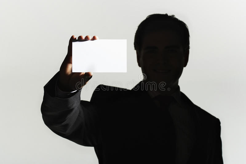 Closeup av mannen med det tomma kortet arkivbilder