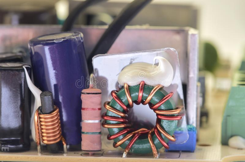 Closeup av video högtalaranläggningströmförsörjning arkivfoto