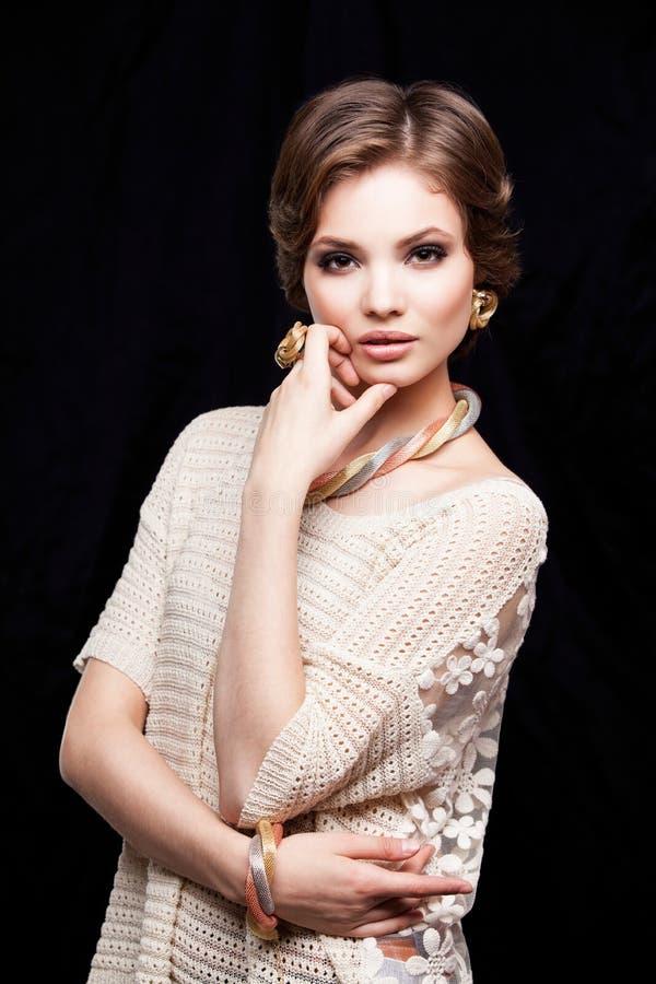 Closeup för stående för ung kvinna för skönhet Härlig modell Girl Face arkivbild