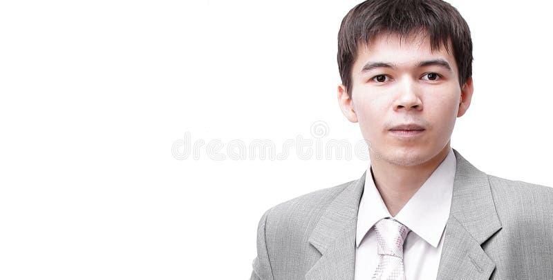 closeup framsidan av den moderna unga mannen royaltyfria foton