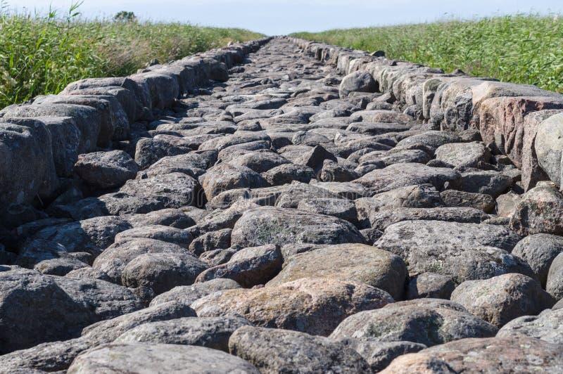Closeup på stora stenar av Ainazi den norr pir arkivbild