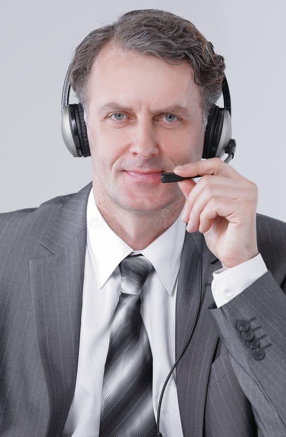 closeup retrato do centro de atendimento seguro do empregado fotografia de stock