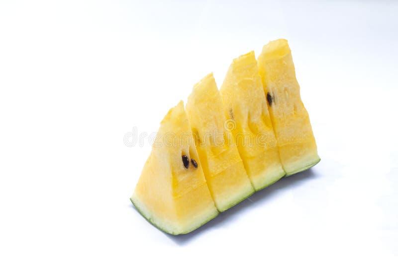 Closeup som skivas av den gula vattenmelon arkivbild