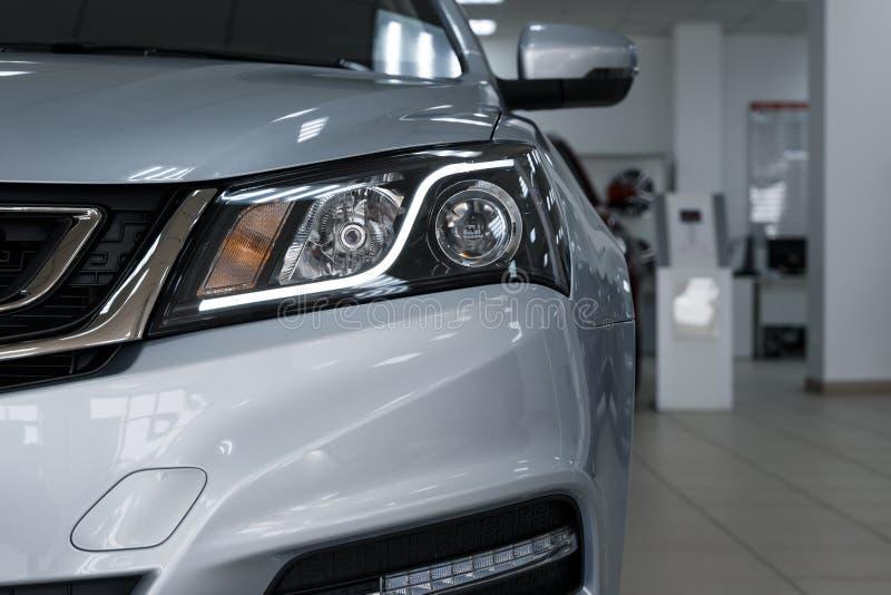 Closeupbillyktor av en modern bil r royaltyfri foto