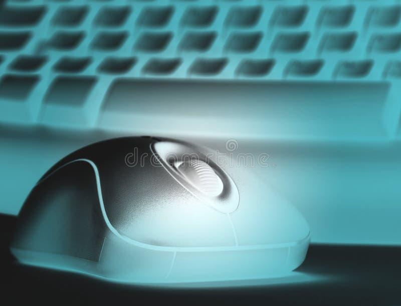 Den Cyan kulöra musen och skrivar fotografering för bildbyråer