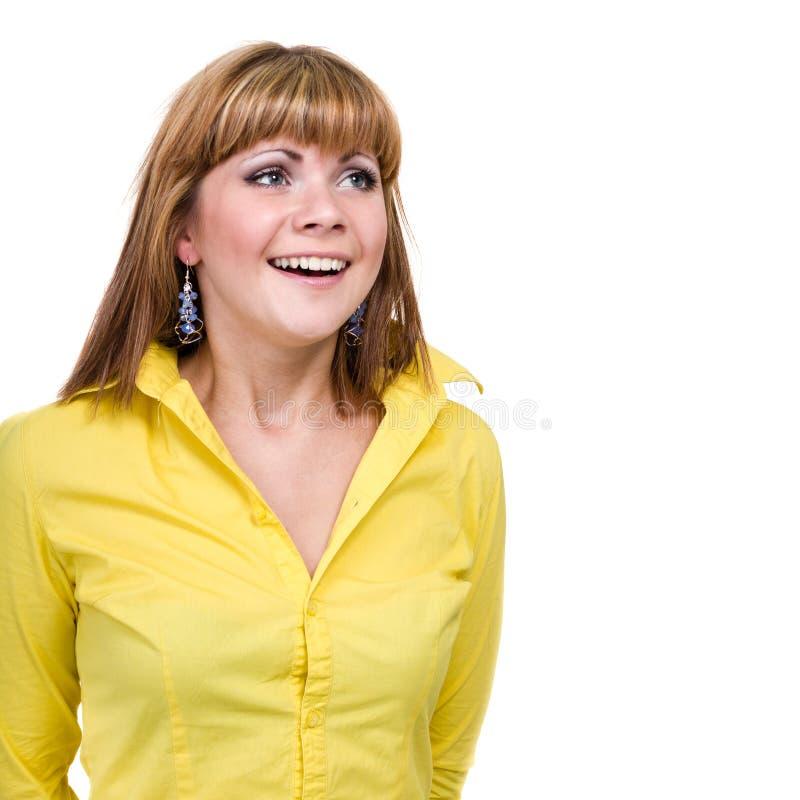 Closeupstående av den förvånade unga damen som isoleras på vit med copyspace arkivfoton