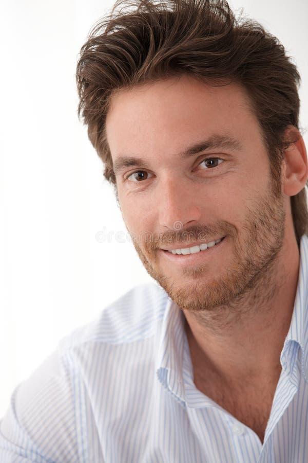 Closeupstående av den stiliga mannen royaltyfri fotografi