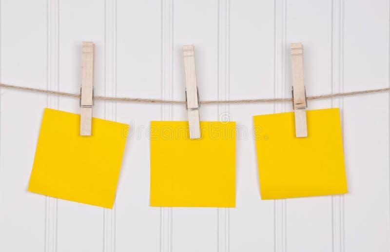 clothesline notatki zdjęcie stock