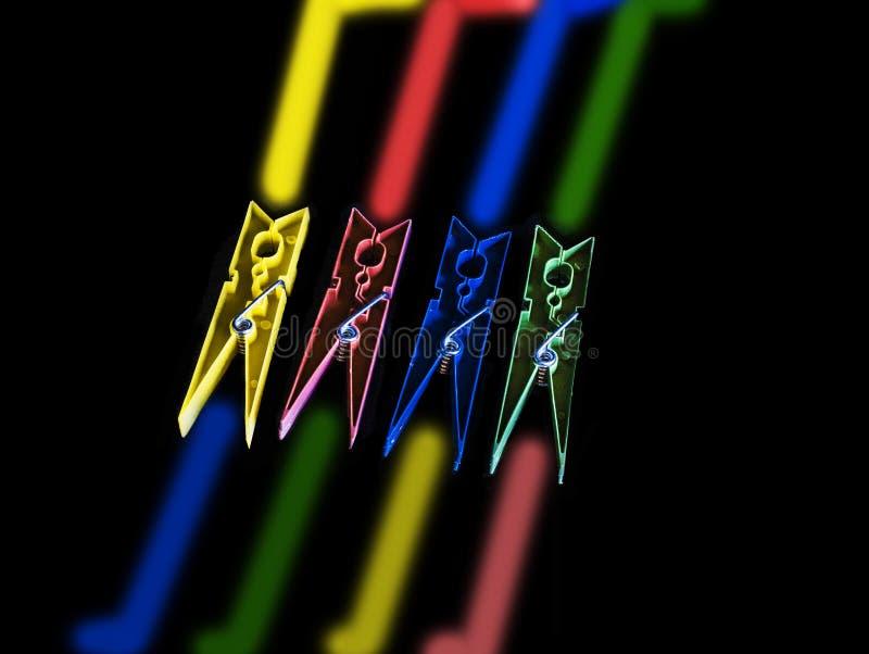 clothespins цветастые стоковое изображение