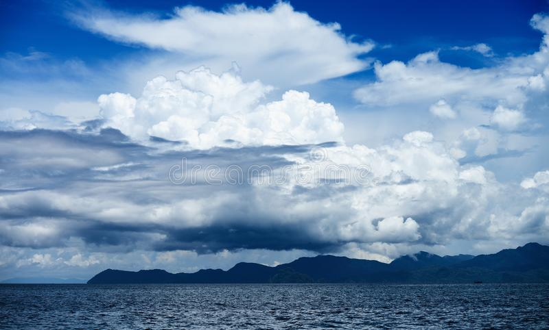 cloud havet royaltyfria bilder
